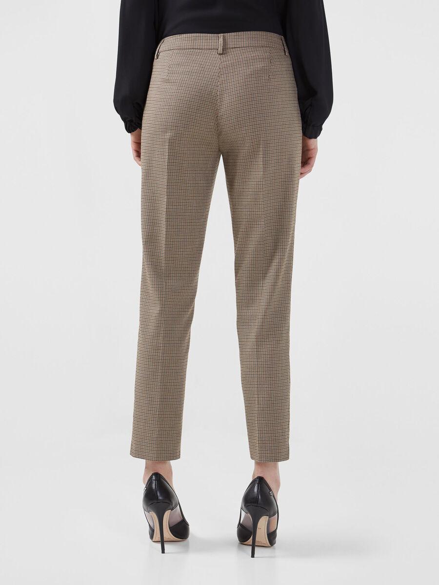 Hose aus Stoff mit Minikaro