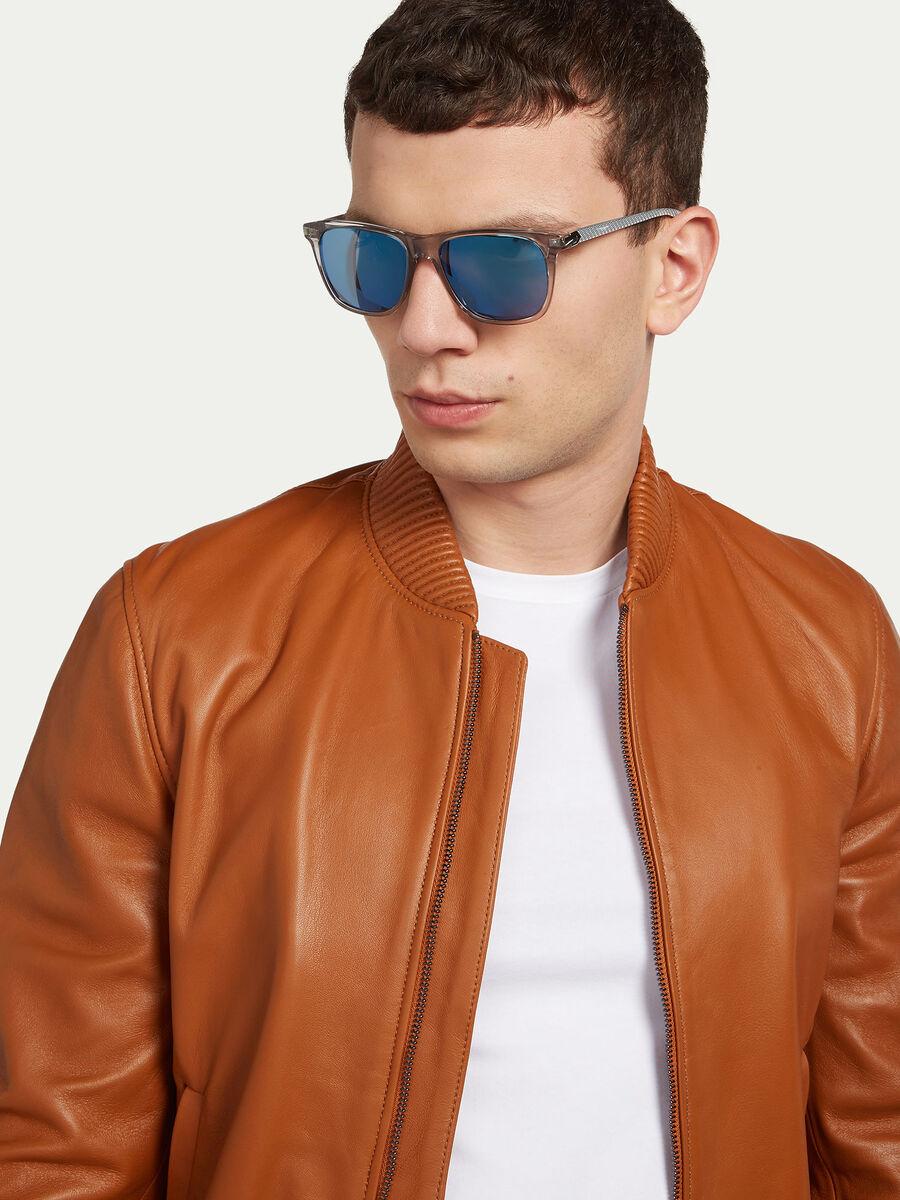 Transparent framed sunglasses