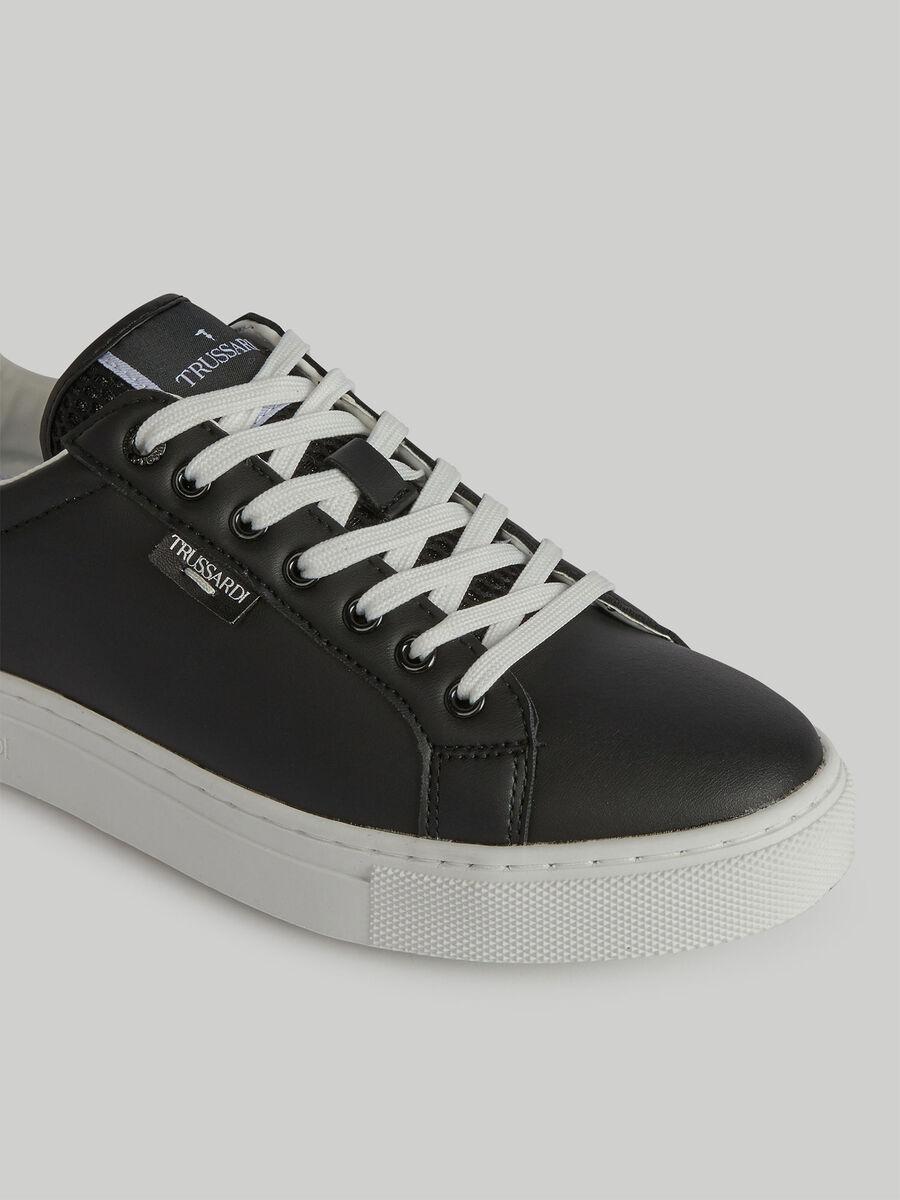 Sneaker aus Kunstleder mit Logo-Label