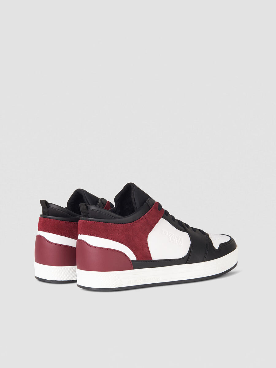 Sneaker in similpelle e suede con logo embossed