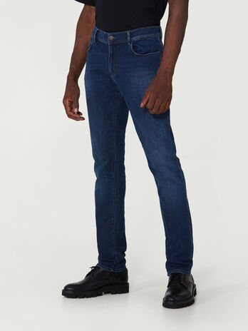 Close 370 jeans in Giza denim
