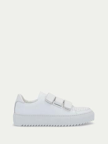 Sneaker aus Leder mit Klettverschluessen