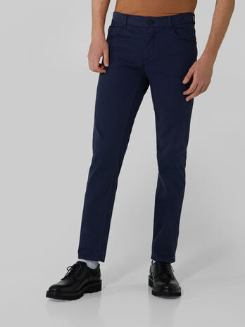 Pantalon 370 Close en gabardine epaisse