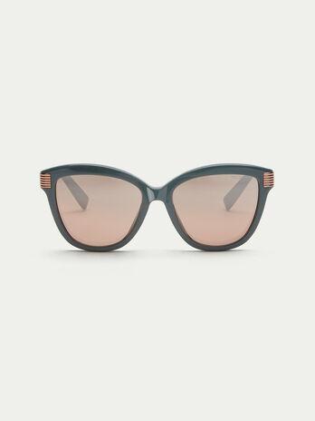 Gafas de sol con detalles de metal de rayas