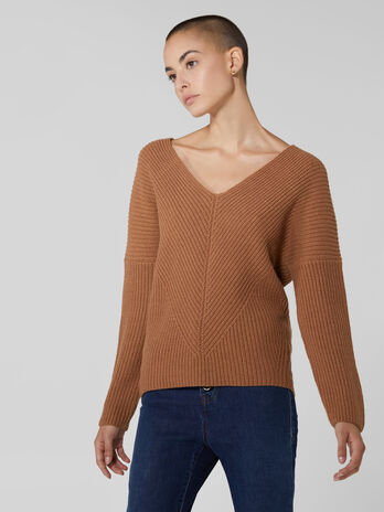 Wool and cashmere V neck pullover