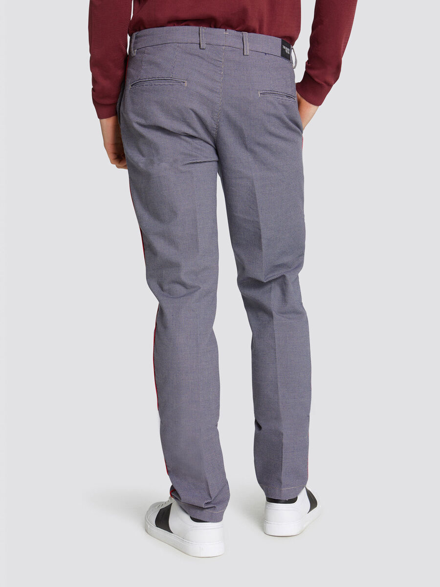Pantaloni Aviator in garment dyed con patch a contrasto
