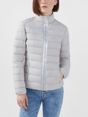 Light nylon down jacket with branded zip