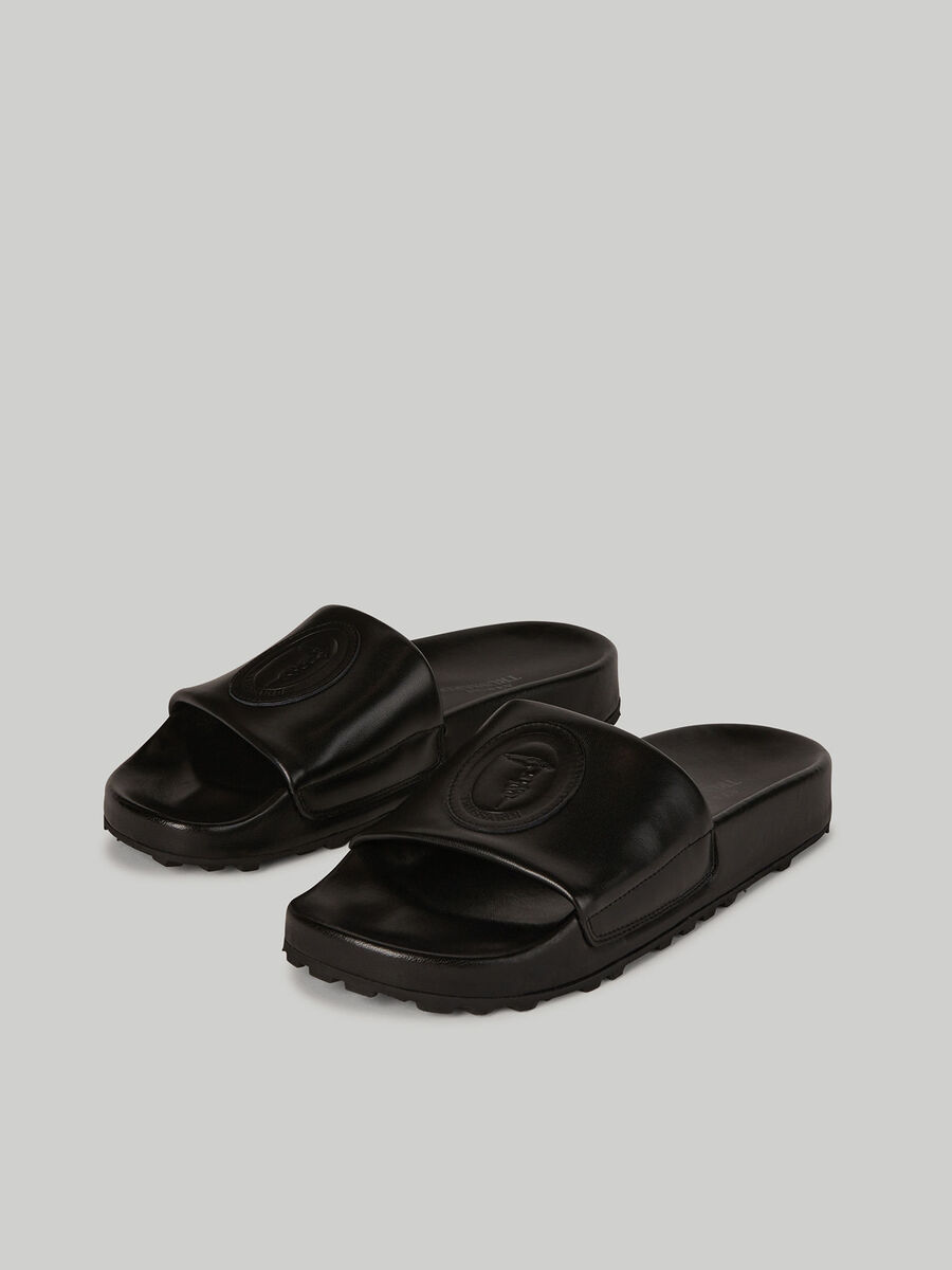Leather sliders with branded band