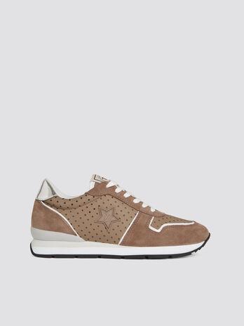 Sneaker running in camoscio e nylon microfori stellati