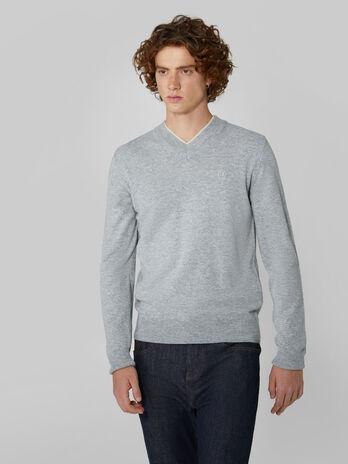 Regular fit wool and cashmere V neck pullover