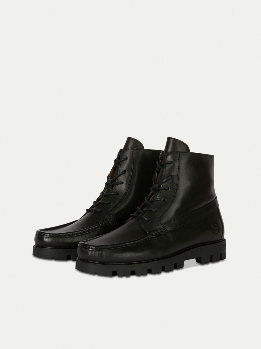 Lace up mid top boots in smooth leather