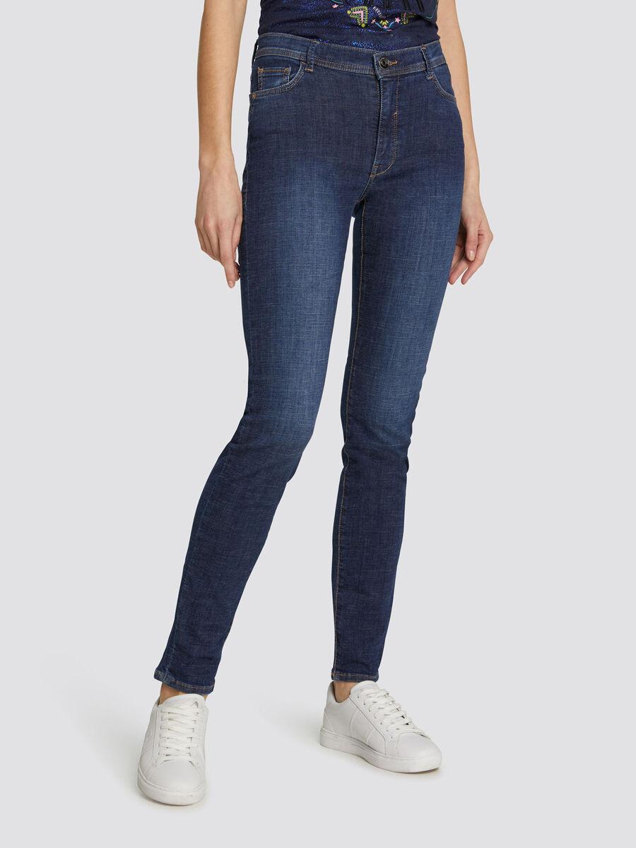 Jeans 105 Skinny Basic aus dunklem Denim
