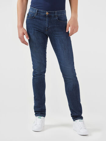 Jeans 370 Close aus blauem Stretch Denim