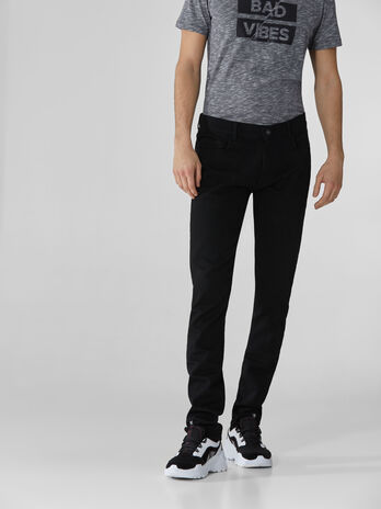 Extra-slim 370 jeans in black denim