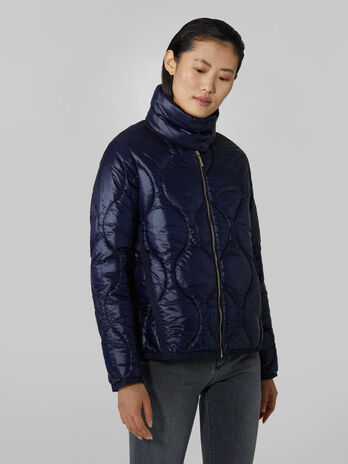 Short down jacket in quilted light nylon