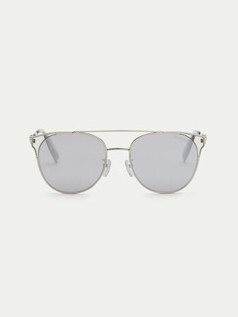 Aviator sunglasses with elongated endpieces