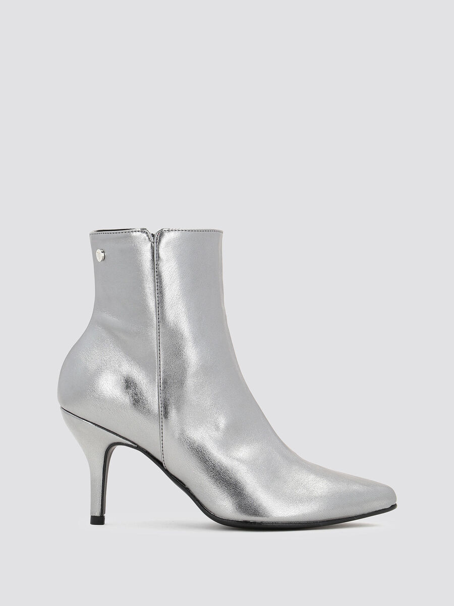 Laminated leather ankle boots with mid height heel