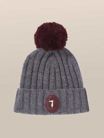 Ribbed wool hat with branded patch