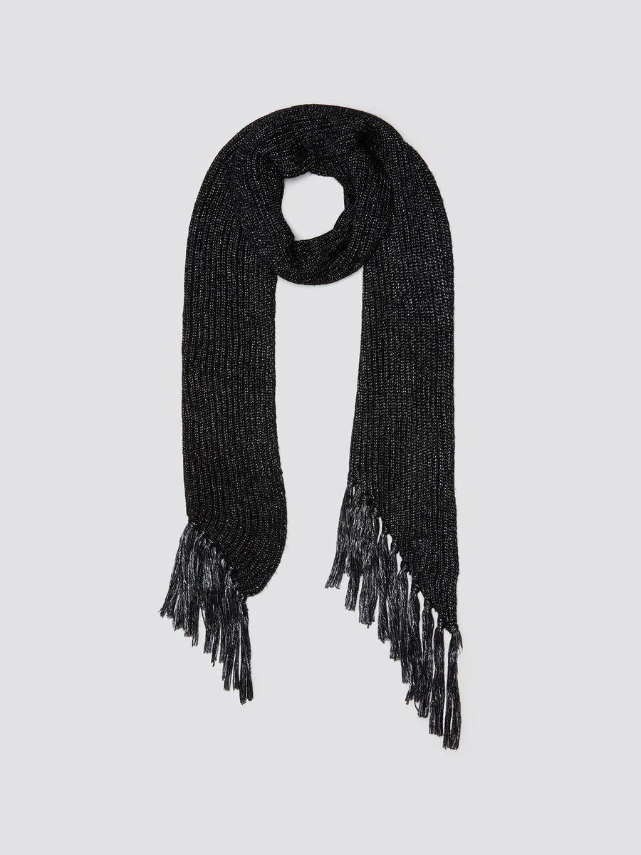 Metallic effect scarf with fringing