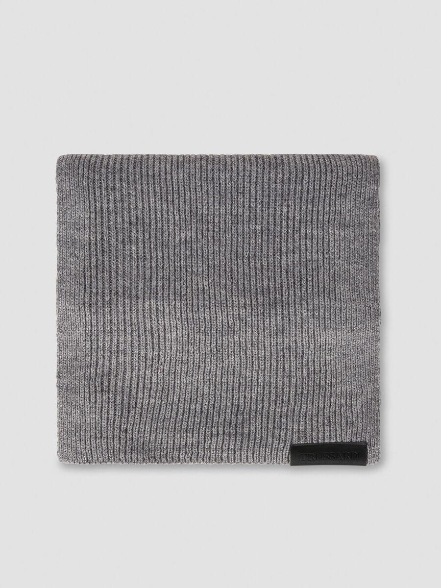 Schal aus Wollmix mit Logoetikett