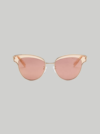 Aviator sunglasses with extended endpieces