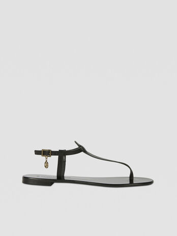 Flat leather thong sandals