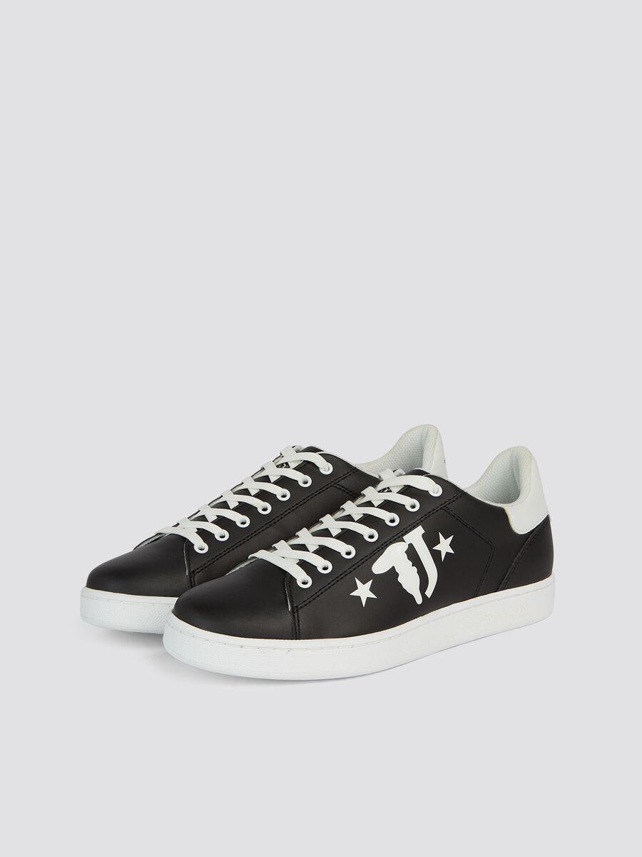 Sneakers in similpelle con maxi logo stampato e stelle