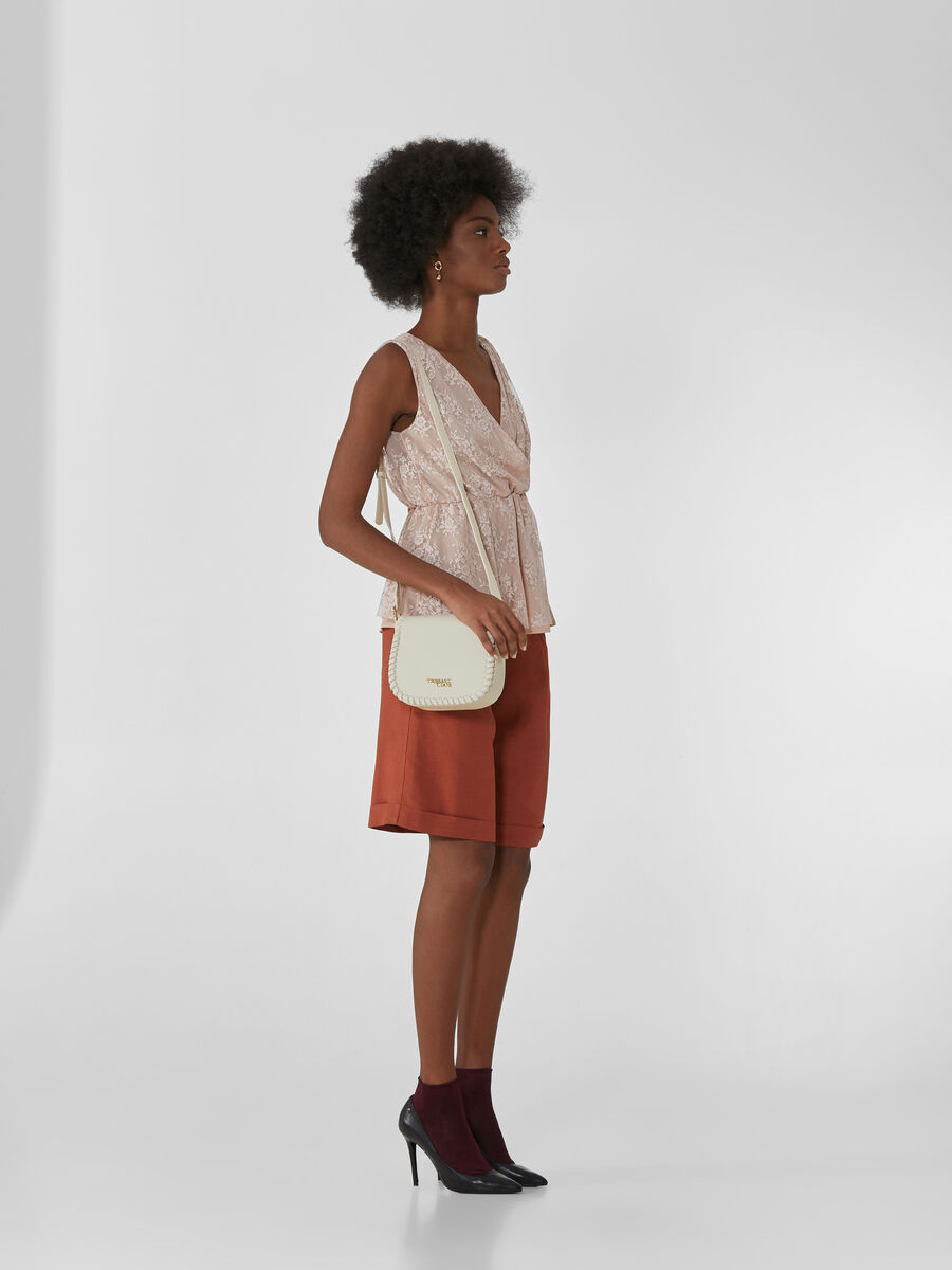 Bermuda shorts in viscose and linen