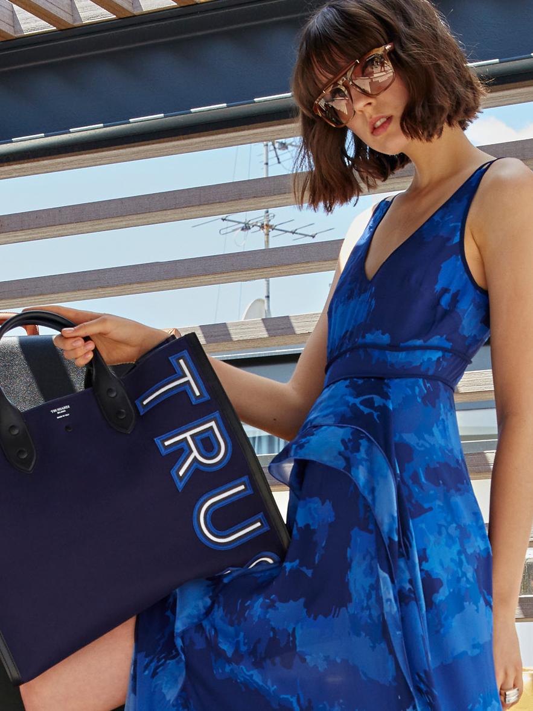 Trussardi ® - Boutique online di Abbigliamento di Lusso 8a97a042280